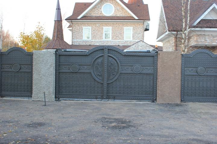 Литые ворота. Загородный дом